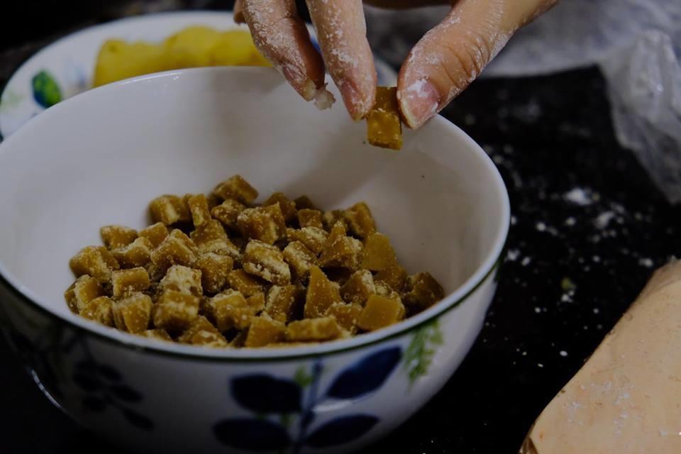 Vietnamese-glutinous-rice-ball-recipe-How-to-make-banh-troi-nuoc-recipe-4