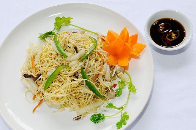 3-extremely-easy-Hu-Tieu-Xao-recipe 1