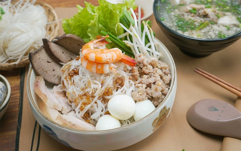 Authentic-hu-tieu-nam-vang-recipe-Phnom-Penh-Noodle-Soup 1