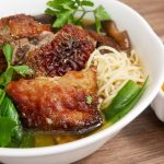 [Exclusive] Mi vit tiem recipe-Braised Duck with Egg Noodle Soup