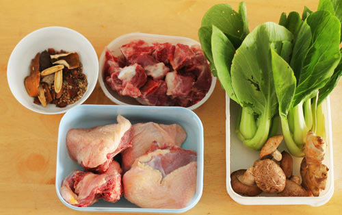Mi-vit-tiem-recipe-Braised-Duck-with-Egg-Noodle-Soup 2