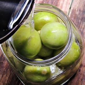 Chanh-muoi-recipe-How-to-make-Vietnamese-salt-preserved-lemons 7