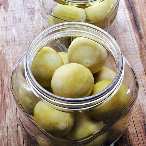 Chanh-muoi-recipe- How-to-make-Vietnamese-salt-preserved-lemons 9