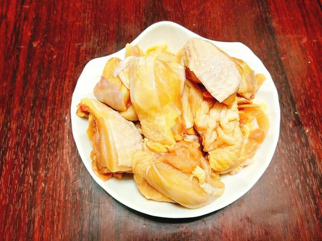 Ga-xao-sa-ot-Recipe-Vietnamese-Chicken-with-lemongrass-and-chili 3