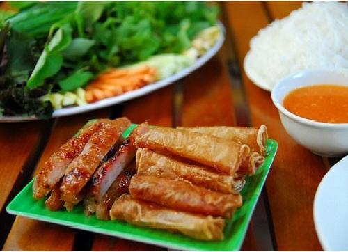Nem-nuong-recipe–How-to-make-vietnamese-grilled-pork-sausage 1