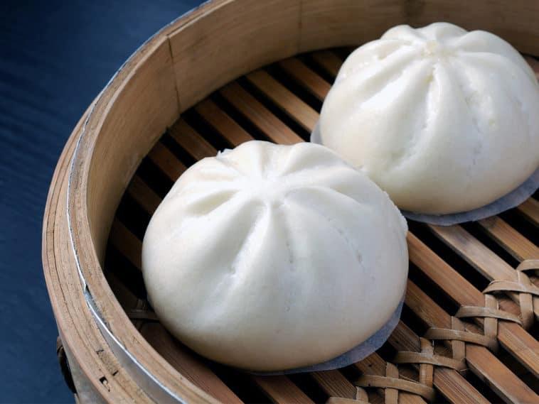 Vietnamese-Banh-bao-Recipe-Vietnamese-Steamed-Pork-Bun 1