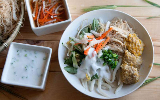 Banh-Tam-Bi-Recipe-Vietnamese-vermicelli-with-pork-and-coconut-cream 2