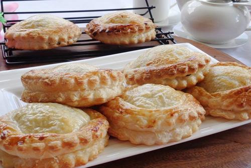 Banh-pateso-recipe-how-to-make-pate-chaud-at-home 14