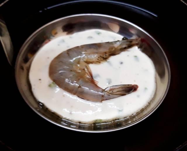 Vietnamese-banh-tom-recipe-Sweet-potato-shrimp-fritters 6