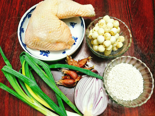 Chao-ga-Recipe–Vietnamese-chicken-congee-rice-porridge 1