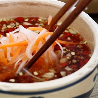 Bun-bo-nam-bo-recipe–How-to-make-Vietnamese-beef-and-noodle-Salad 4