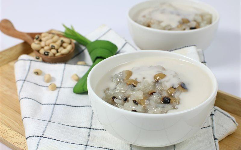 Che-dau-trang-Recipe-Vietnamese-White-Beans-Sweet-Soup 1
