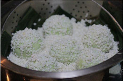 Xoi-Banh-Khuc-Recipe–Cudweed-Sticky-Rice 12