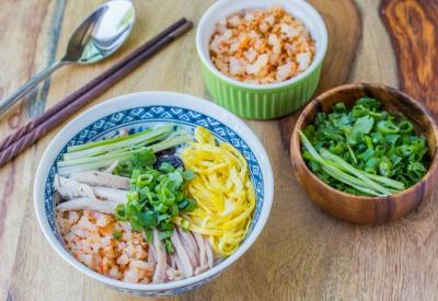 Vietnamese Bun Thang Recipe – Vermicelli noodles soup with pork, chicken, egg