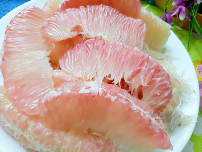 Vietnamese-pomelo-salad-with-shirmp-and-dried-squid-recipe 1