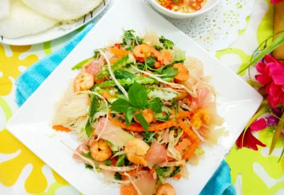 Vietnamese pomelo salad with shirmp and dried squid recipe
