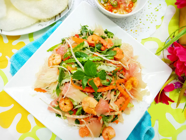 Vietnamese-pomelo-salad-with-shirmp-and-dried-squid-recipe 11