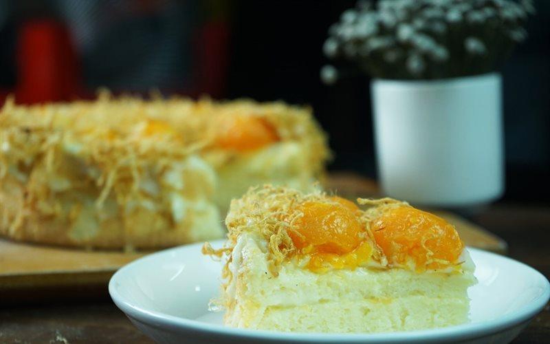 Banh-bong-lan-trung-muoi-Vietnamese-Salted-egg-sponge-cake-Recipe 1