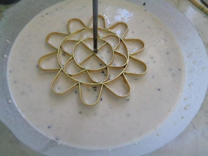 Banh-Nhung-recipe–How-to-make-vietnamese-flower-cookies 7