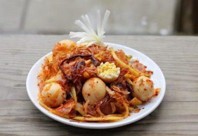 Vietnamese banh trang tron recipe-How to make mixed rice paper salad