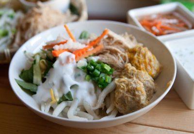 Banh Tam Bi Recipe - Vietnamese vermicelli with pork and coconut cream
